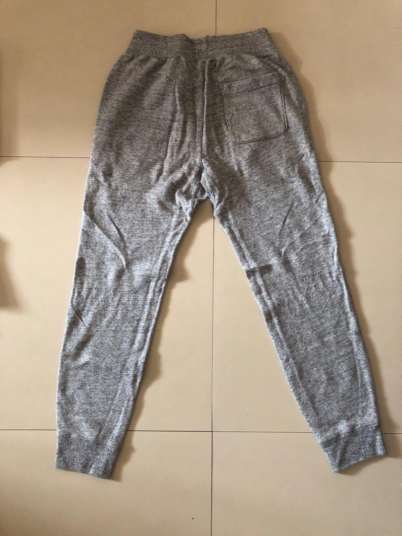 78e3023da29311 WTS: Uniqlo Joggers, Women's Fashion, Clothes, Pants, Jeans & Shorts ...