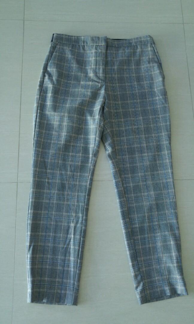 d740e652 Zara Plaid Pants, Women's Fashion, Clothes, Pants, Jeans & Shorts on ...