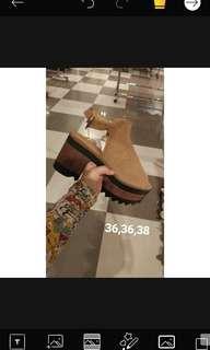 Boots heels sepatu zara pull n bear mango bershka stradivarius sale diskon shoes  Ongkir 2 kg  . BISA VIA SHOPEE, UNTUK DETAIL CEK HIGHLIGHT IG STORY : RATRISTRY (SEPATU SALE)