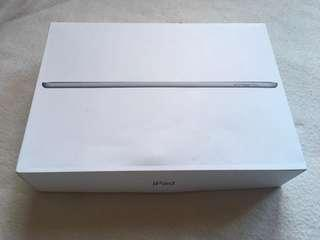 Ipad 2 box and accessories only