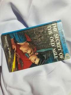 The Secret of The Old Mill (The Hardy Boys) by Franklin Dixon