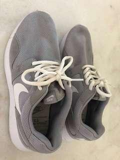 Grey Nike Running shoes - runners us size 6