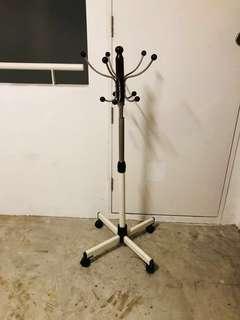 Mobile hanger portable coat hanger wheels