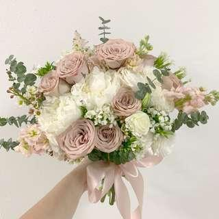 Bridal bouquet with premium rose / Dusty pink roses with white peonies