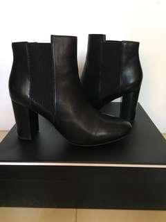 Diana Ferrari heeled boots black size 8