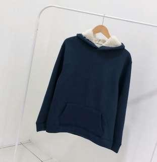 Uniqlo Unisex Navy Sherpa Winter Sweatshirt