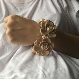 Rose bracelet / gelang mawar