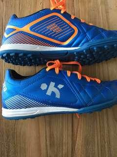 Clean kids Hockey shoes from Decathlon Agility model