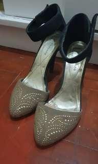 Primadonna Shoes Size 7