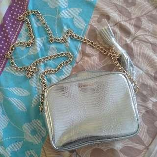 VS Classy Sling Bag