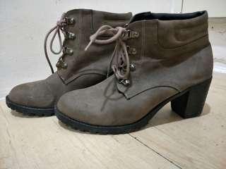 🚚 英倫風復古短靴