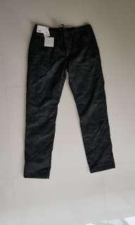 Uniqlo Wind Proof Warm Lined Pants(Brand New)(M Size)