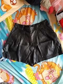 H&M leather skorts