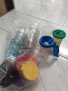 Spill safe container for brush washing for children