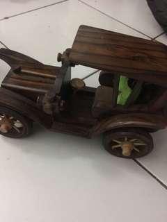 Kereta kayu vintage