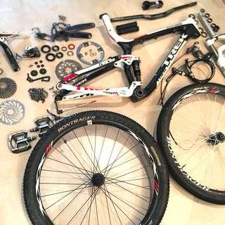 Bicycle servicing/maintenance