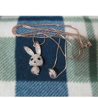 【新品 】日本帶回 滿鑽兔寶寶項鍊