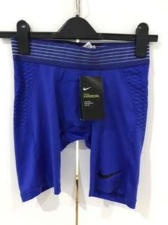 Nike Pro HyperCool compression short size small