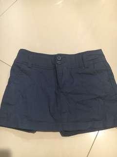 Short Pants size 28