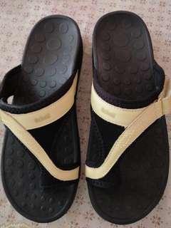 Scholl Biomehanics women's shoe size 9