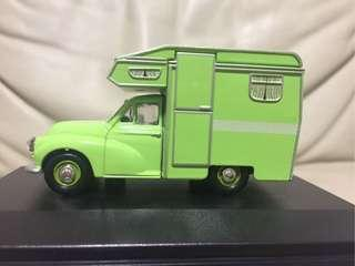 OXFORD Roadshow 1:43 MORRIS Camper Van (code: MM032) Cert.no.1062 of 2000pcs