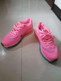 🚚 NIKE Running 氣墊慢跑運動鞋-24號