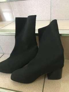 🚚 中筒靴(請看敘述)