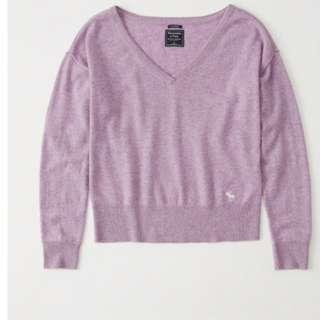 Abercrombie & Fitch (A&F) CASHMERE ICON V-NECK SWEATER