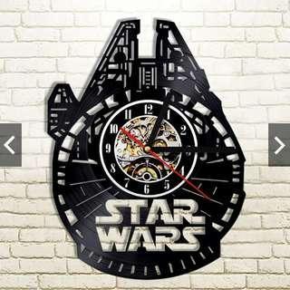 Clock Millennium Falcon - Wall Clock (Piring Hitam)