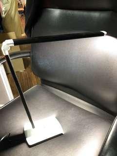 🚚 LED table lamp