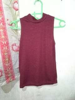 Sleeveless Turtleneck Blouse (Maroon)