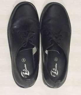 School Uniform group black shoes