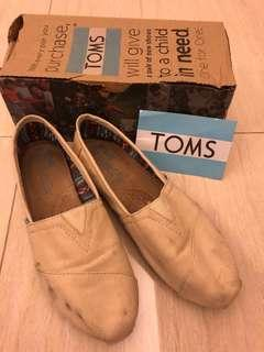 REDUCED - Toms canvas shoes