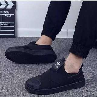 LOOKING FOR ALL BLACK SHOES