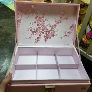 化妝品收納架 langham 朗庭酒店月餅盒