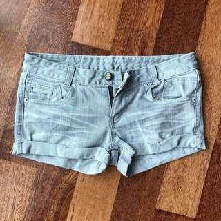 BNWOT: Denim Hot Pants #CNY888