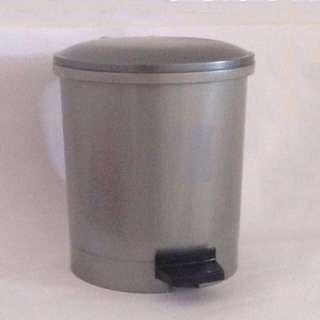 🚚 Plastic Pedal Bin (5 Litres)