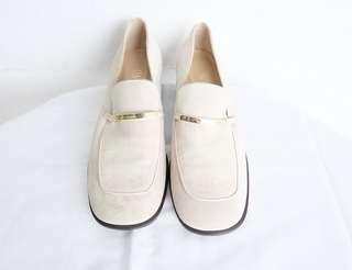 Authentic preloved gucci slip on
