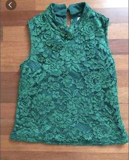 Qibao/ green tops