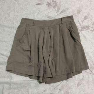 Gray Culottes / Shorts