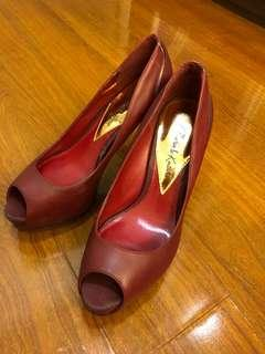 Charles & Keith maroon/dark red heels