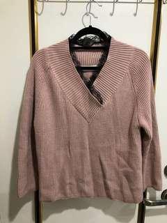 🚚 🍁秋冬🍁大v領針織蕾絲落肩毛衣/粉色