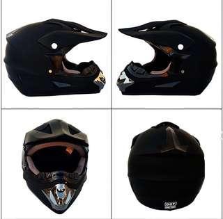 Matte black motorcross helmet *brand new*