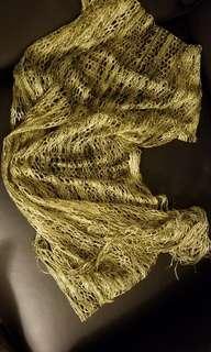 ladies fashion scarf (85% new)