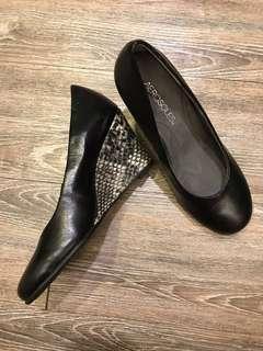 🚚 出清!AEROSOLES 楔型鞋、黑色蛇紋✨出清不二價TWD300