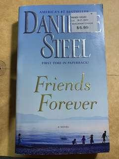 Friends Forever by Danielle Steel (pocketbook)
