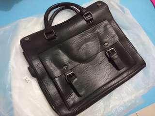 Tas kulit / tas kerja usb