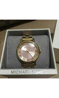 Brandnew Authentic Michael Kors Gold Watch
