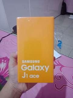 Samsung Galaxy J1 ace 8GB - 2016 New White