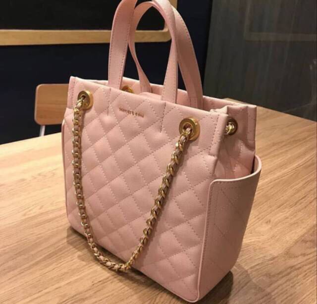a6098372cc9403 Charles & Keith Tote Quilted Office, Luxury, Bags & Wallets on Carousell